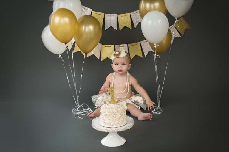 Layna Jane Photography Omaha cake smash photographer